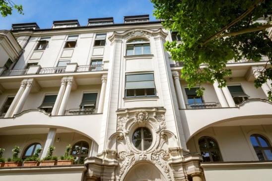 Nicely renovated old townhouse, Hinterhaus in Berlin / west near Kudamm