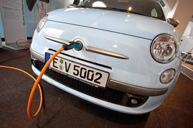 E-Car an der Autostrom Ladebox