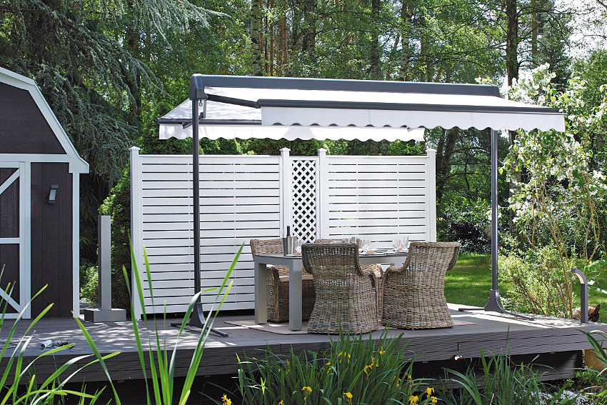 gro formatiger sonnenschutz f r die terrasse. Black Bedroom Furniture Sets. Home Design Ideas